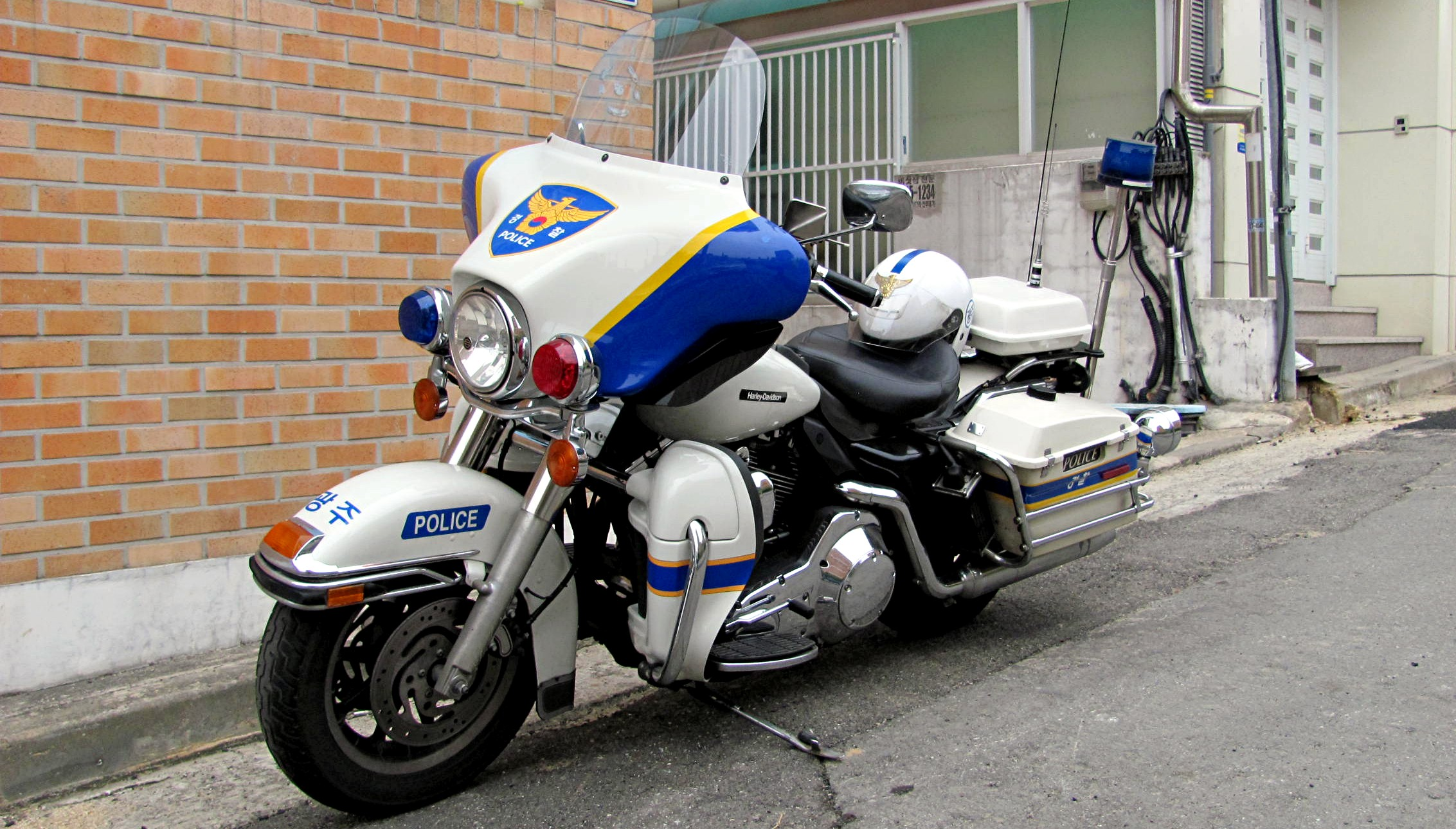 police harley bike davidson motorcycles motorbikes motorcycle korea cars vehicles cop motos cops motors biking patrol