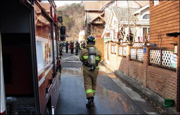 Korean Fire Trucks Feb 2013 (16)